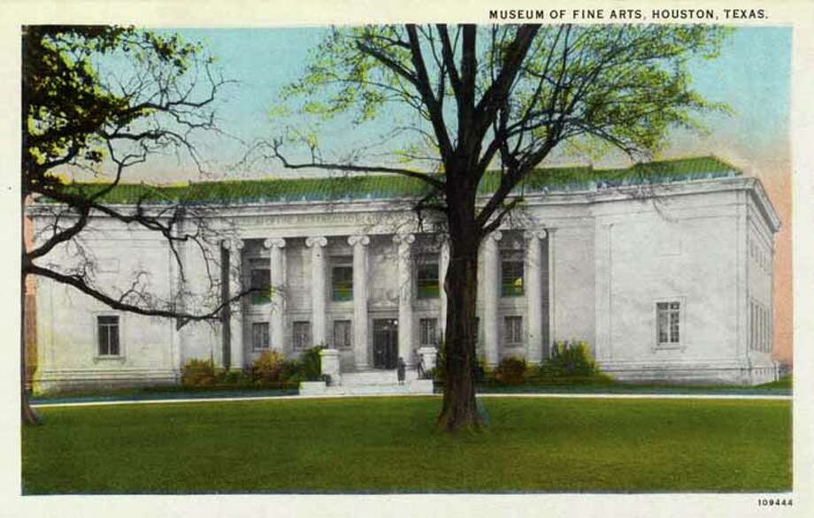 HOUSTON - 1926:  Vintage postcard showing the exterior of the Museum of Fine Arts building. (Photo by Lake County Museum/Getty Images) Photo: Curt Teich Postcard Archives, Getty Images / Archive Photos