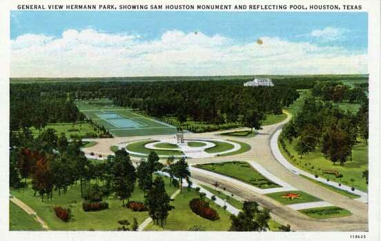 HOUSTON - 1927:  Vintage postcard showing a bird's eye view of Hermann Park focusing on the Sam Houston Monument and Reflecting Pool. (Photo by Lake County Museum/Getty Images) Photo: Curt Teich Postcard Archives, Getty Images / Archive Photos