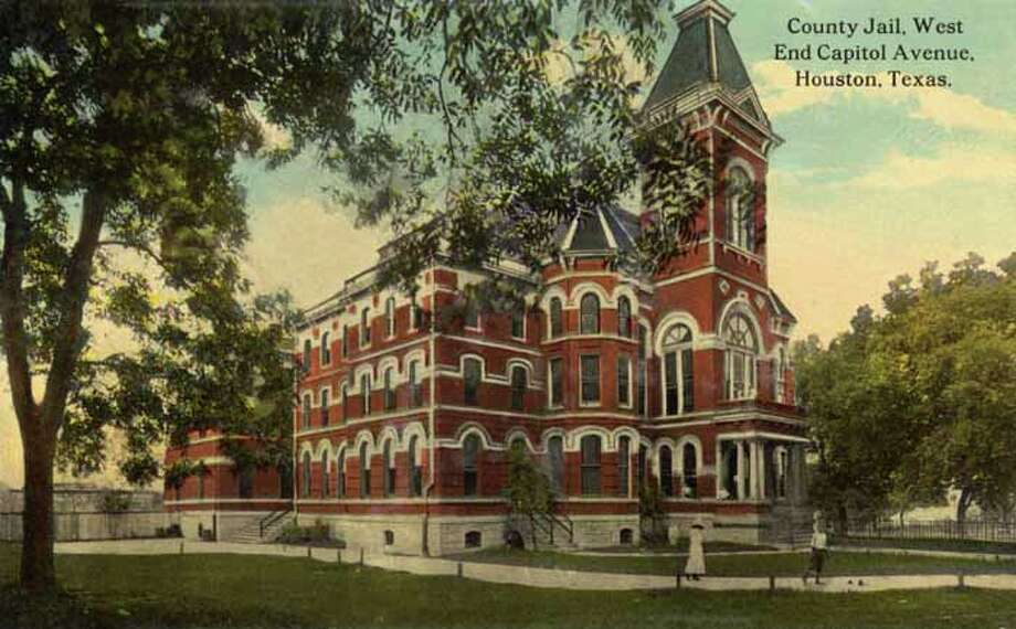 HOUSTON - 1911:  Vintage postcard showing the County Jail in Houston  . (Photo by Lake County Museum/Getty Images) Photo: Curt Teich Postcard Archives, Getty Images / Archive Photos