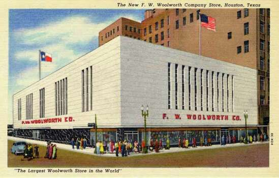 HOUSTON - 1950:  Vintage postcard showing a FW Woolworth store in Houston. (Photo by Lake County Museum/Getty Images) Photo: Curt Teich Postcard Archives, Getty Images / Archive Photos