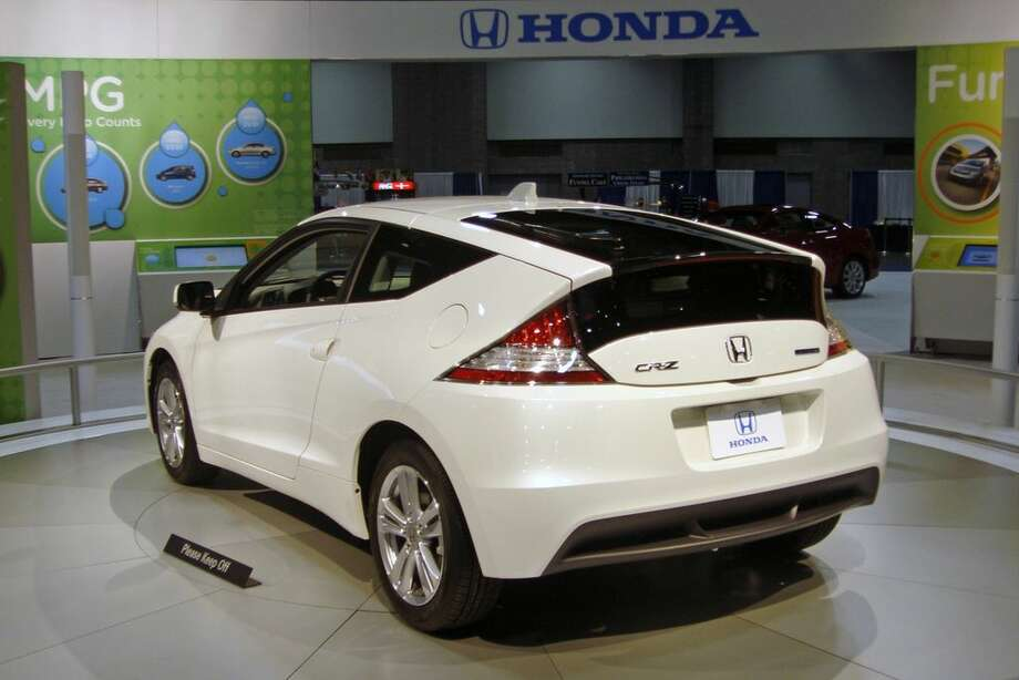 10. Honda CRZ Hybrid  Lifecycle emissions based on 100,000 miles of driving in U.S.: 0.82 pounds of carbon dioxide equivalents per mile Photo: Mariordo Mario Roberto Duran Ortiz