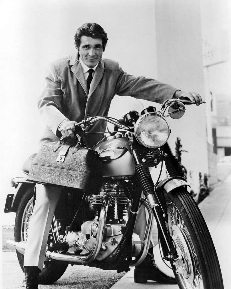 "James Brolinastride a motorcycle, as Dr Steven Kiley in the US television drama ""Marcus Welby, MD."" Photo: Silver Screen Collection, Getty Images / 2012 Silver Screen Collection"