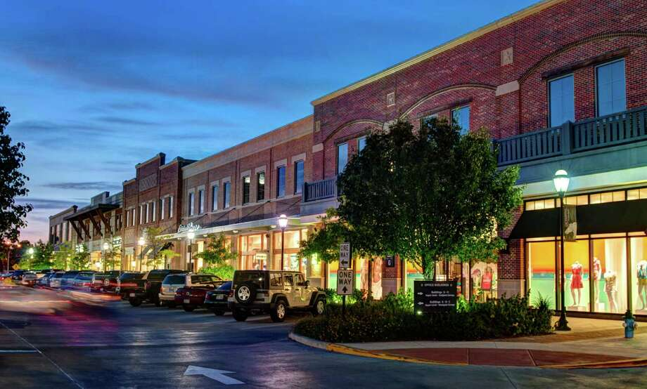 LaCenterra is the focal point of shopping in Cinco Ranch, and this west Houston community also has everything from Super Target to local one-of-a-kind shops on site. Photo: Ted Washington
