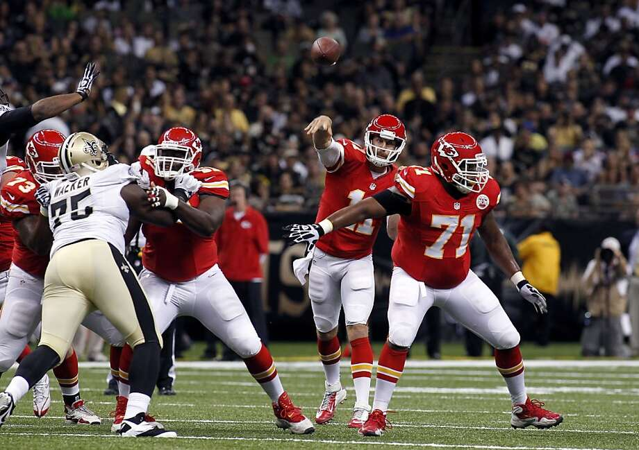 Alex Smith fires a pass in the preseason opener, when he completed 7 of 8 passes and led a touchdown drive. Photo: Jonathan Bachman, Associated Press