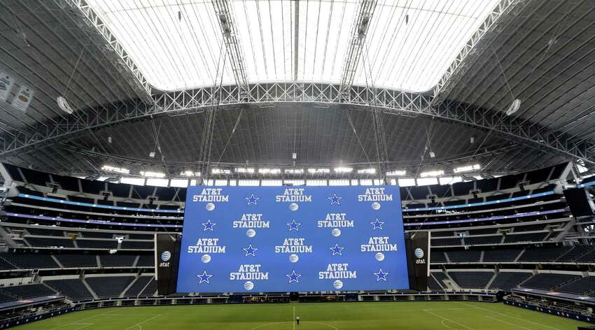 The giant screen at the AT&T stadium is 160 feet wide and 72 feet high.