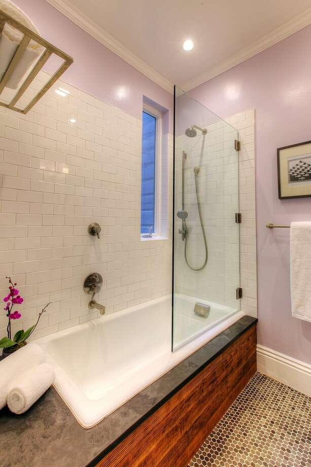 A deep tub and shower combo are an asset to the master bathroom. Photo: Lauren Cassidy