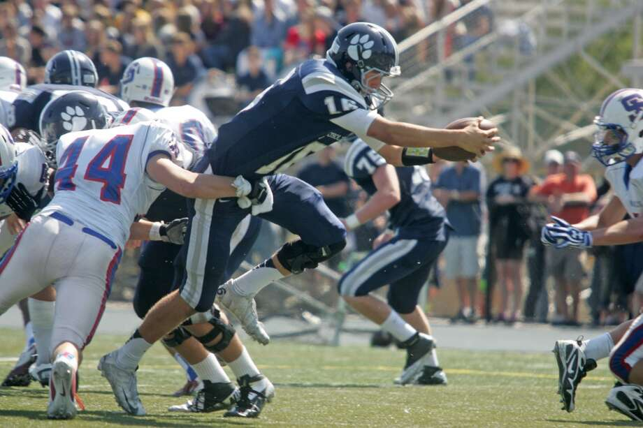 Marin Catholic quarterback Jared Goff scores a rushing touchdown against St. Ignatius in Kentfield, Calif. on Saturday, September 1, 2012. Marin Catholic won 28-21. Photo: Mathew Sumner, Special To The Chronicle