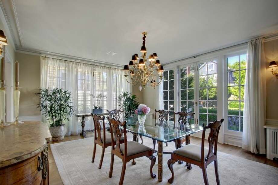 Dining room of 939 Federal Ave. E. It's listed for $2.7 million. Photo: Courtesy Ann Dover, Cliff Tanner, Windermere Real Estate
