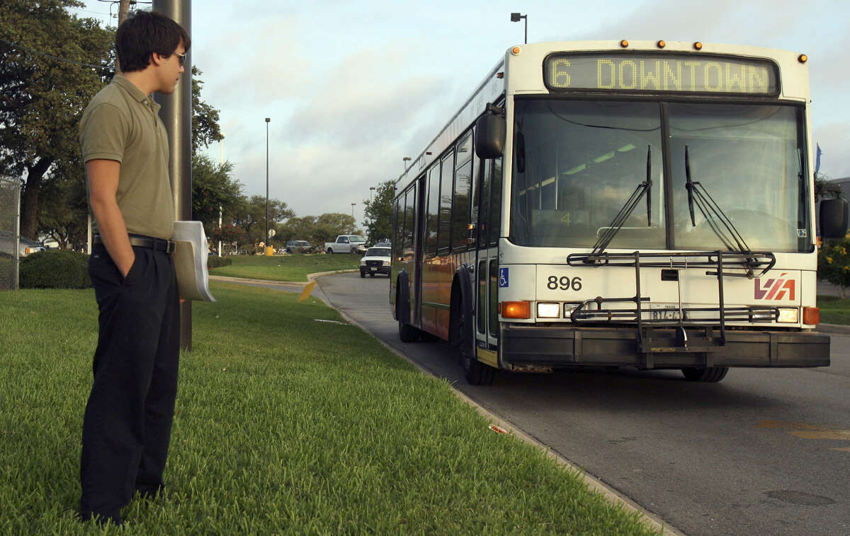 A reader says good service by VIA Metropolitan Transit staff is one reason that it is a pleasure to live in San Antonio.