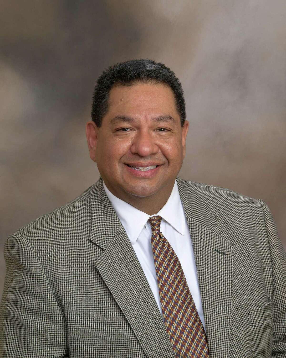 San Antonian David L. Rosa is an independent insurance agent.