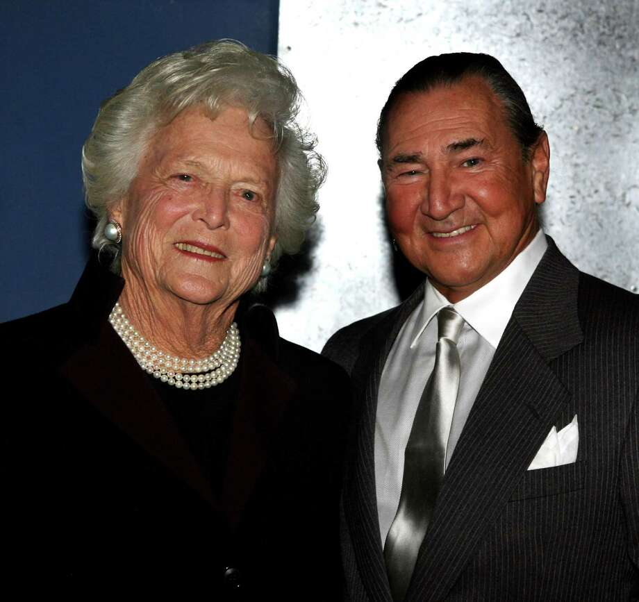 Barbara Bush and August Schellenberg at the  in Houston, Texas Photo: Bob Levey, WireImage / 2006 Bob Levey