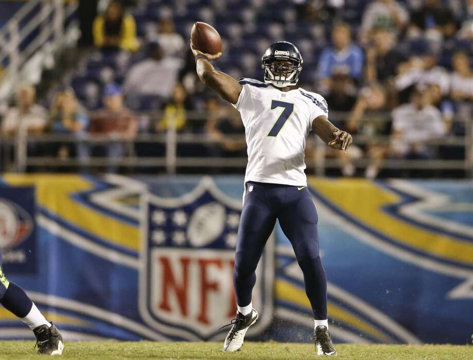 4. The backup quarterbacks: part deuxRound one goes to T-Jack.  After throwing for 128 yards and 2 touchdowns on 8 of 9 passing, Tarvaris Jackson pulled ahead of Brady Quinn in the race to be Wilson's primary backup. But he did it against San Diego's third-and fourth-string defenders; not exactly the '85 Bears. Quinn had a quietly effective night, going 6 of 11 for 59 yards and a score, but he made none of the eye-popping long completions that characterized Jackson's effort.    Photo: Gregory Bull, ASSOCIATED PRESS