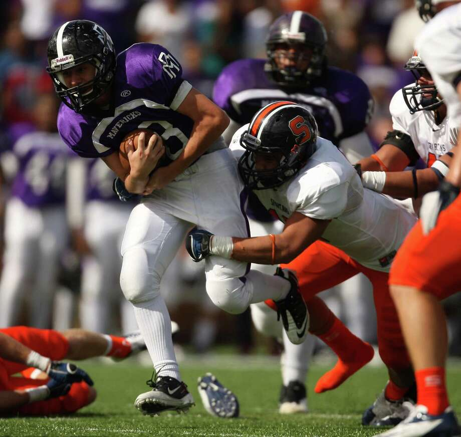 Morton Ranch quarterback Ryan Burciaga, left, needs his offensive line to come together quickly to keep opposing defenders off of him. Photo: Eric Christian Smith, Freelance