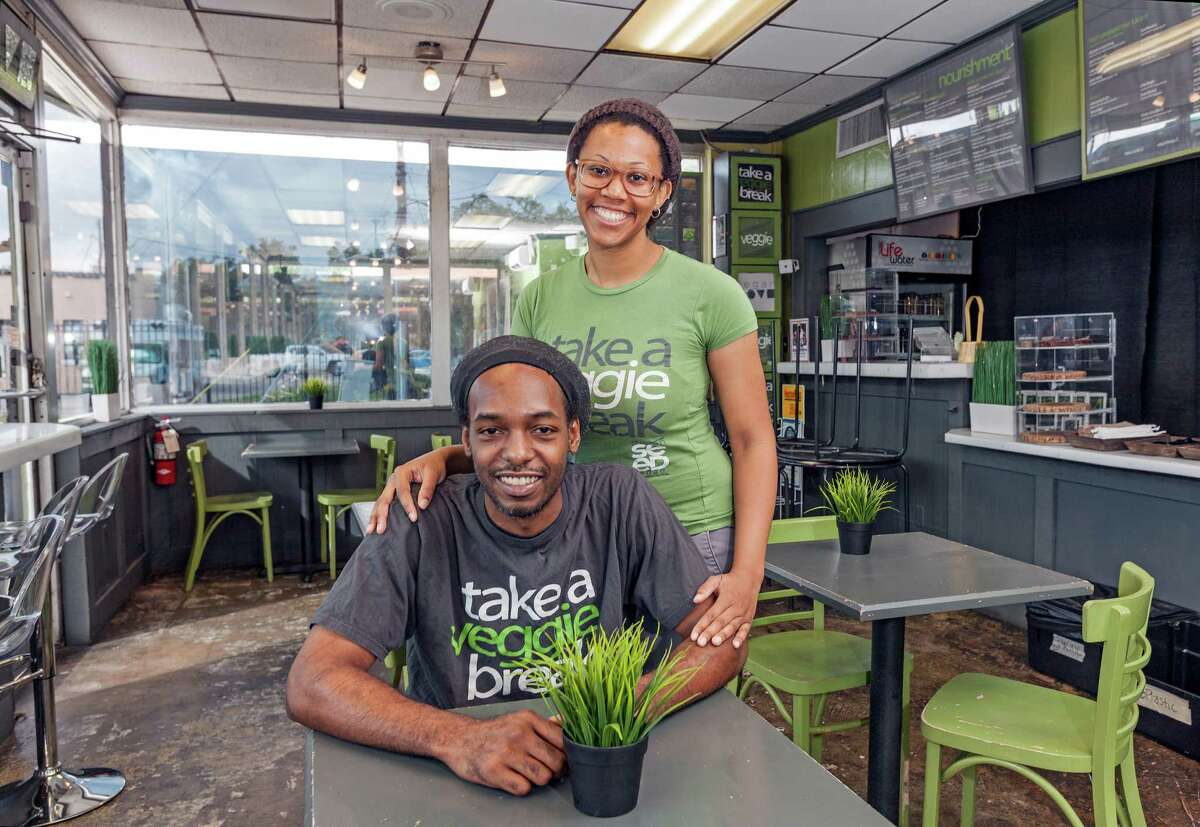 Rodney Perry and Matti Merrell own their own restaurant on Almeda, but like so many in recent years, they got their start in the business with a food truck.