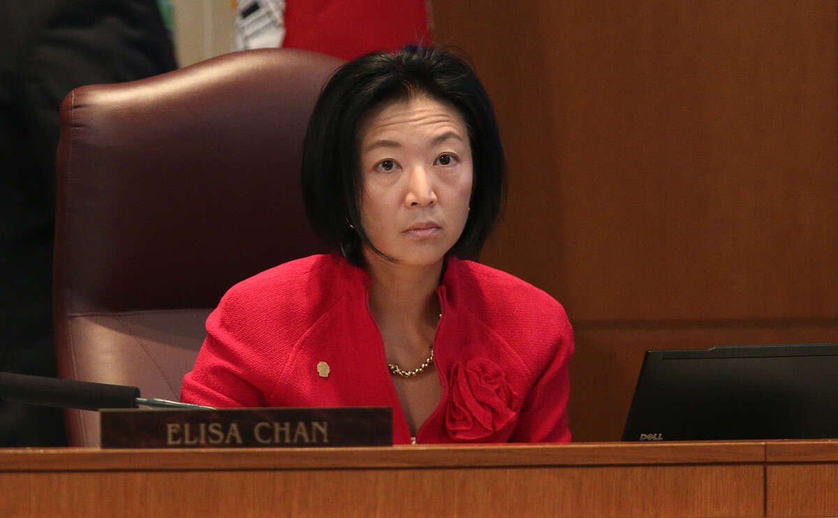 One expert says it's unclear if Elisa Chan's remarks will benefit her in the conservative Texas Senate District 25.