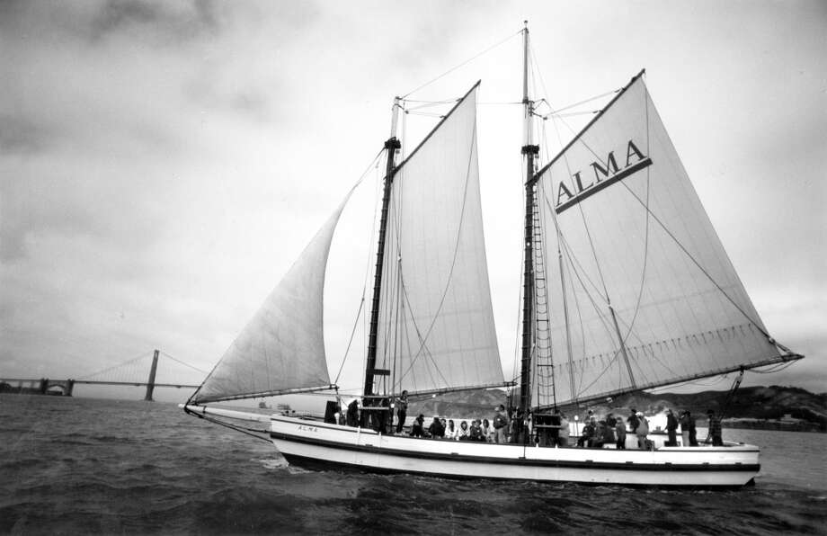 The Alma, and 80-foot flat-bottom scow schooner, on the S.F. Bay to celebrate the100th anniversary sailing of the bay. July 18, 1991. Photo: Vince Maggiora, The Chronicle