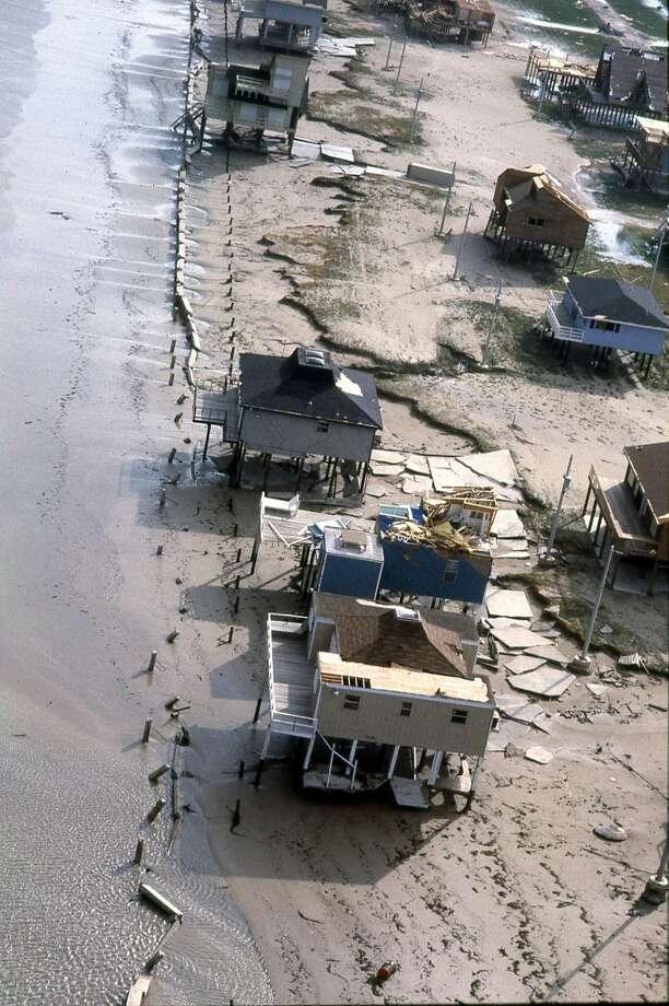 Texas coast, August 19, 1983. Photo: Craig Hartley, Houston Post