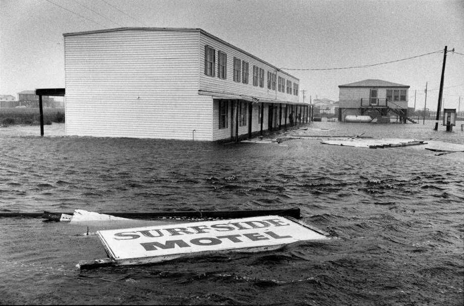 Surfside Photo: Larry Reese, Houston Chronicle