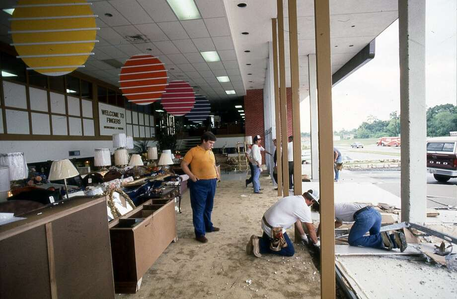 Finger's store at 9500 Jensen, August 1983. Photo: Craig Hartley, Houston Post