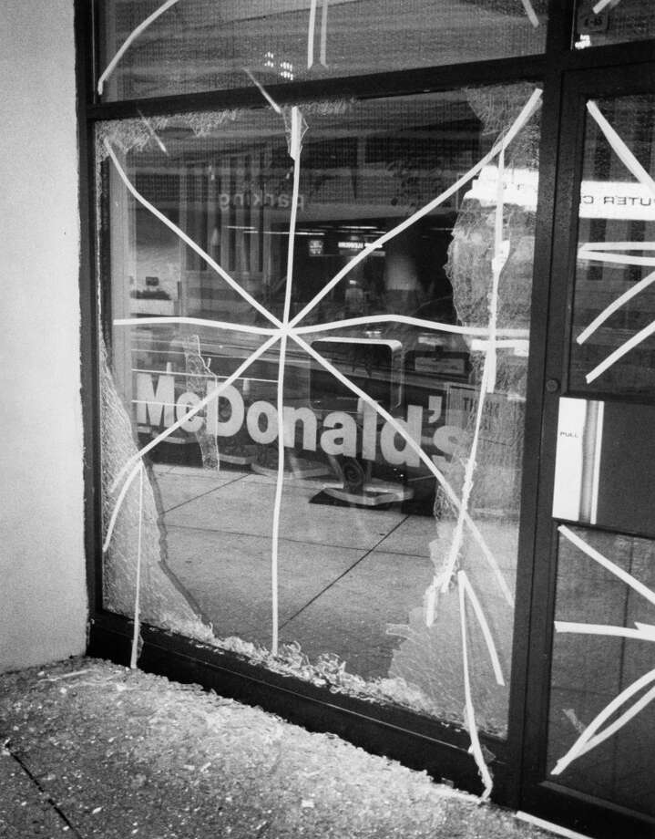 Damage to McDonald's, Polk at Louisiana. Photo: E. Joseph Deering, Houston Chronicle