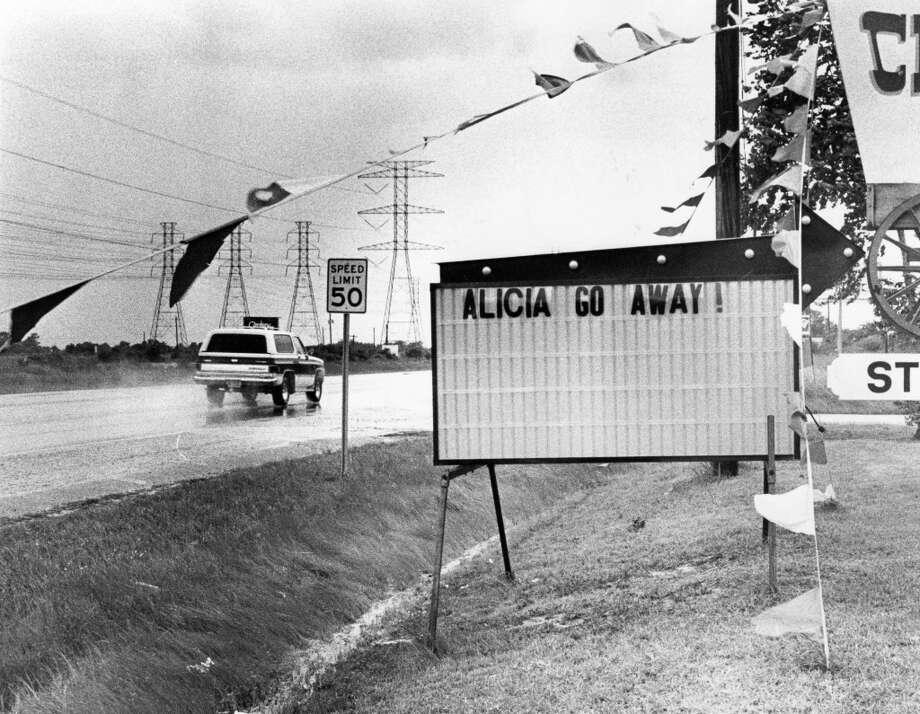 Texas 146 in Bacliff. Photo: Mark Toohey, Houston Chronicle