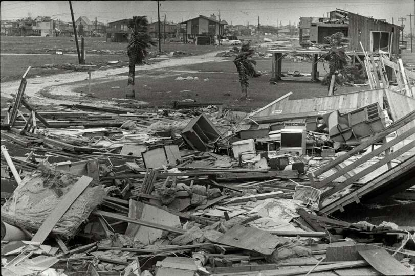 hurricane alicia Editor's note: take a look back into the dallas morning news archives hurricane alisha ripped through the gulf coast and hit land aug 18, 1983 though most of the damage was concentrated in galveston and houston, alicia's effects could be felt in north texas a truck driver in dallas died due to heavy.