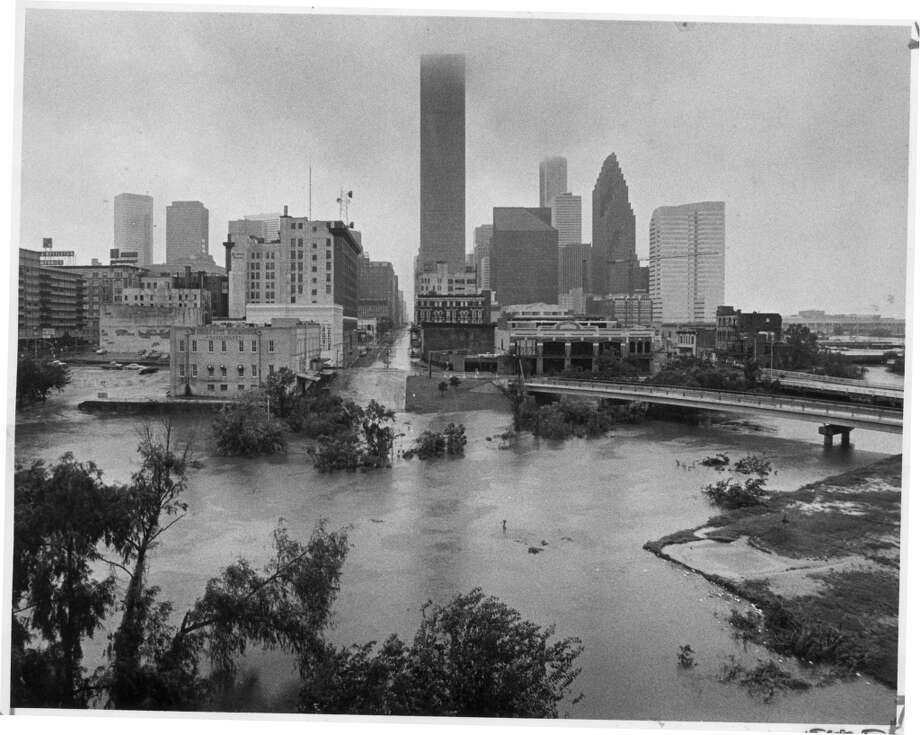 Allen's Landing, Buffalo Bayou and the north end of downtown Houston are flooded in the aftermath of Hurricane Alicia. Photo: Sam C. Pierson Jr., Houston Chronicle
