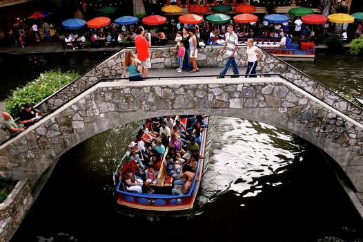 "According to SARA, 11.5 million people visit the River Walk annually, which yields $3.1 billion to the local economy. Sounds like a lot more than just a ""dirty creek."" Photo: NICOLE FRUGE, San Antonio Express-News / SAN ANTONIO EXPRESS-NEWS"