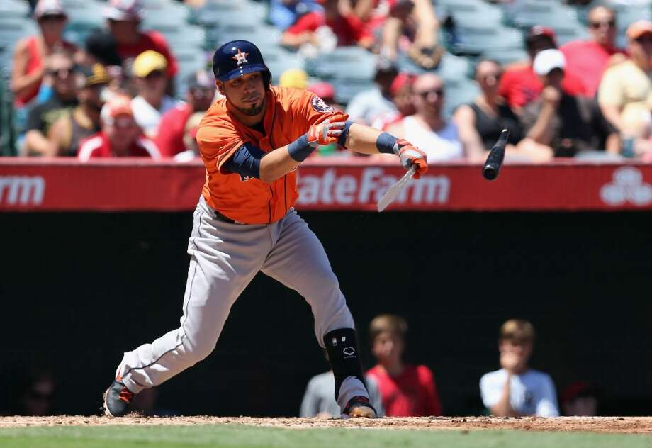 Marwin Gonzalez of the Astros breaks his bat while playing against the Angels. Photo: Jeff Gross, Getty Images