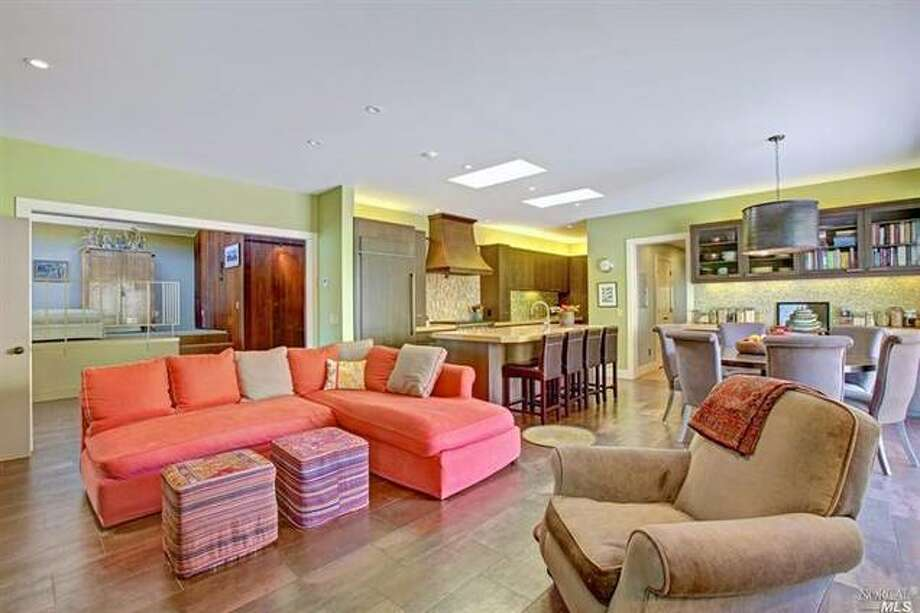 Living room in many pastels. BAREIS / Leading Edge Properties, Inc/Estately