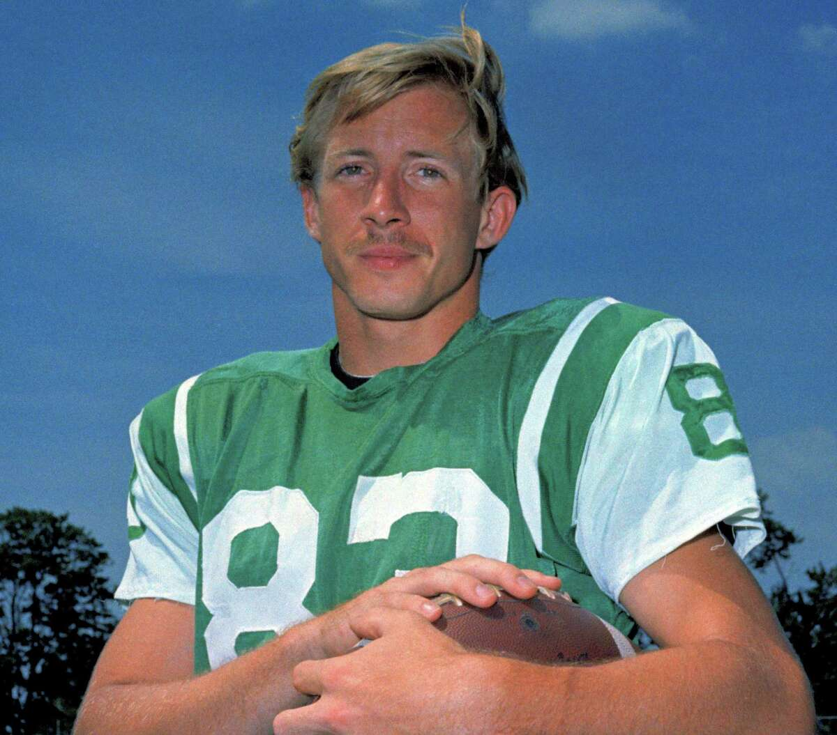 FILE - T 1969 file photo, shows New York Jets wide receiver George Sauer. Sauer, a member of the Jets' only Super Bowl championship team, died Tuesday, May 7, 2013, after a long struggle with Alzheimer's disease, the Moreland Funeral Home in Westerville, Ohio said. He was 69. (AP Photo/File)