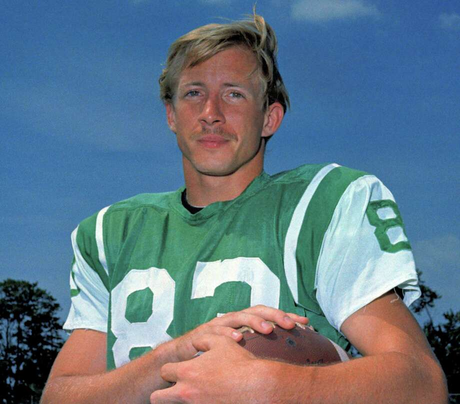 FILE - T 1969 file photo, shows New York Jets wide receiver George Sauer. Sauer, a member of the Jets' only Super Bowl championship team, died Tuesday, May 7, 2013, after a long struggle with Alzheimer's disease, the Moreland Funeral Home in Westerville, Ohio said. He was 69.  (AP Photo/File) Photo: Anonymous, STF / AP