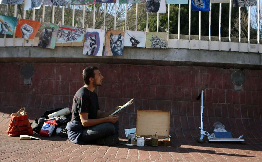 Listen to some poetry at 16th and Mission, every Thursday night at 9 p.m. Photo: Chronicle File Photo