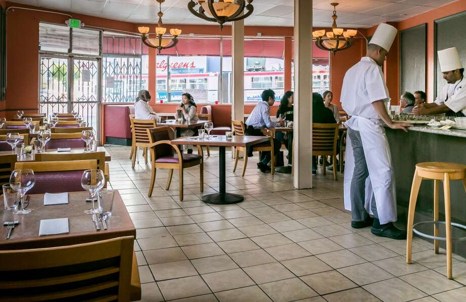 Diners enjoy dinner at The Palace in San Francisco. Photo: John Storey, Special To The Chronicle