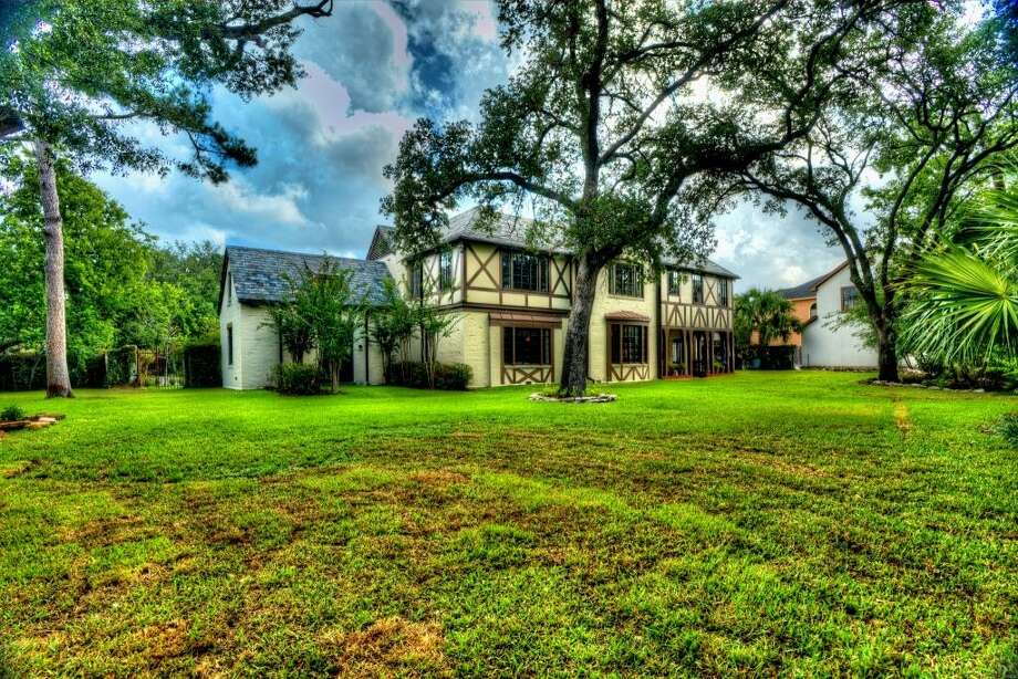 This estate is situated on a lot that is almost three quarters of an acre. When Gov. Hobby chose this site, he wanted to be close to downtown, but away from the hustle. The yard to the left has a sunken concrete space for an optional koi pond.See the listing here.