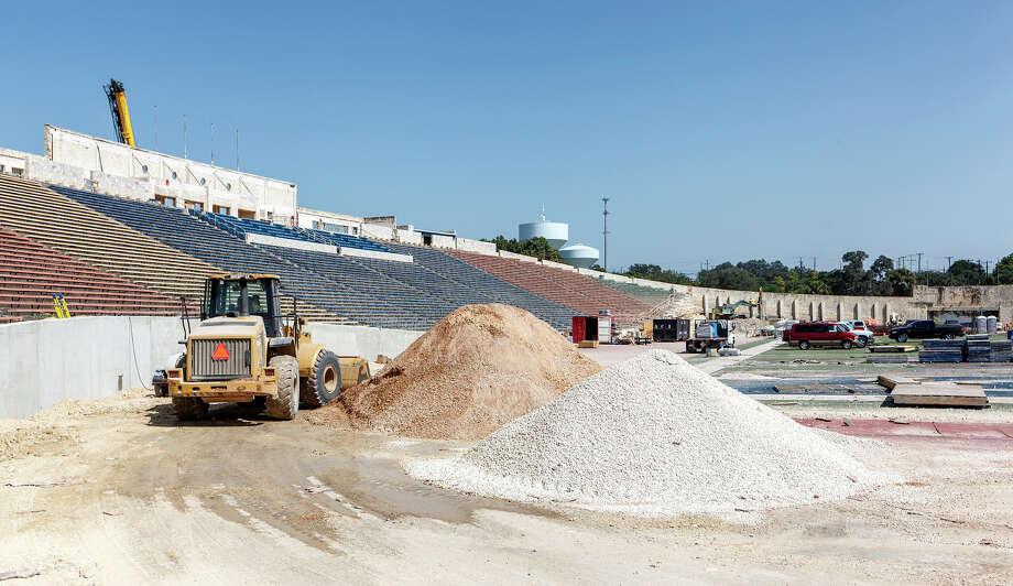 Work continues on the $35 million Alamo Stadium renovation project on Aug. 7, 2013. Photo: MARVIN PFEIFFER, Marvin Pfeiffer / Prime Time New / Prime Time Newspapers 2013