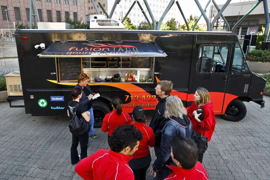 Julia Sharaby and her Fusion Taco truck as seen in 2010. Photo: Michael Paulsen, Houston Chronicle