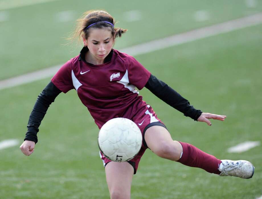 Lindsay Bralower of St, Luke's School in action during the FAA girls soccer championship between St. Luke's School and Greenwich Academy at St. Luke's, New Canaan, Nov.11, 2011. Photo: Bob Luckey, Greenwich Time / Greenwich Time