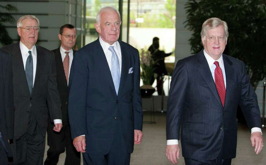 Mansfield Foundation's Chairman Thomas Foley (C), US ambassador to Japan Thomas Schieffer (R) and Mansfield Foundation's board of director member and former US ambassador to Japan Walter Mondale (L) walk into the prime minister's residence prior their meeting with Japanese Prime Minister Junichiro Koizumi, in Tokyo on April 14, 2006.  Photo: AFP/Getty Images, Getty / 2006 AFP