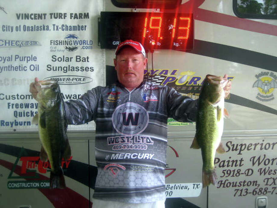 Ricky Guy won the final event & AOY title with his bag of fish that weighed 19.13 lbs.