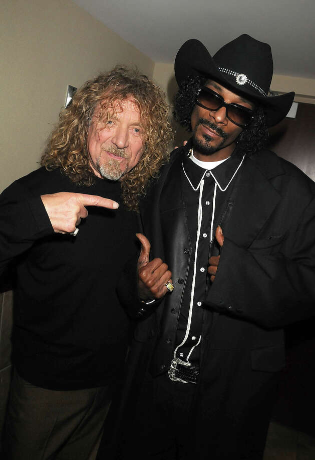 Robert Plant and Snoop Dogg seen backstage during the 2008 CMT Music Awards at the Curb Events Center at Belmont University on April 14, 2008 in Nashville, Tennessee. Photo: Jeff Kravitz, FilmMagic / 2008 Jeff Kravitz