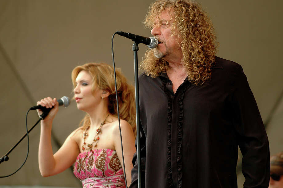 Robert Plant and Alison Krauss performing at the New Orleans Jazz Festival on April 25, 2008. Photo: Clayton Call, Redferns / 2008 Clayton Call