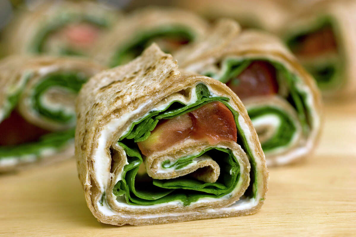 ** FOR USE WITH AP LIFESTYLES ** A healthy, easy to make Spiral Sandwich, shown in this July 25, 2007 photo, is a fun and tasty alternative to the same old lunch box filler. (AP Photo/Larry Crowe)