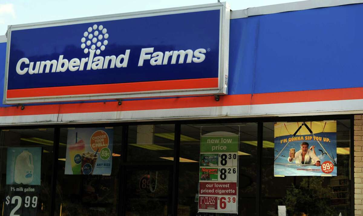 A store clerk was injured at this River Road Cumberland Farms early Tuesday, Aug. 20, 2013 trying to stop the theft of two outdoor ad signs of performer David Hasselhoff.