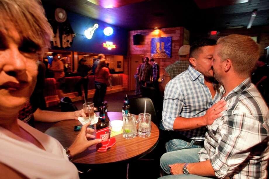 gay bars in houston texas