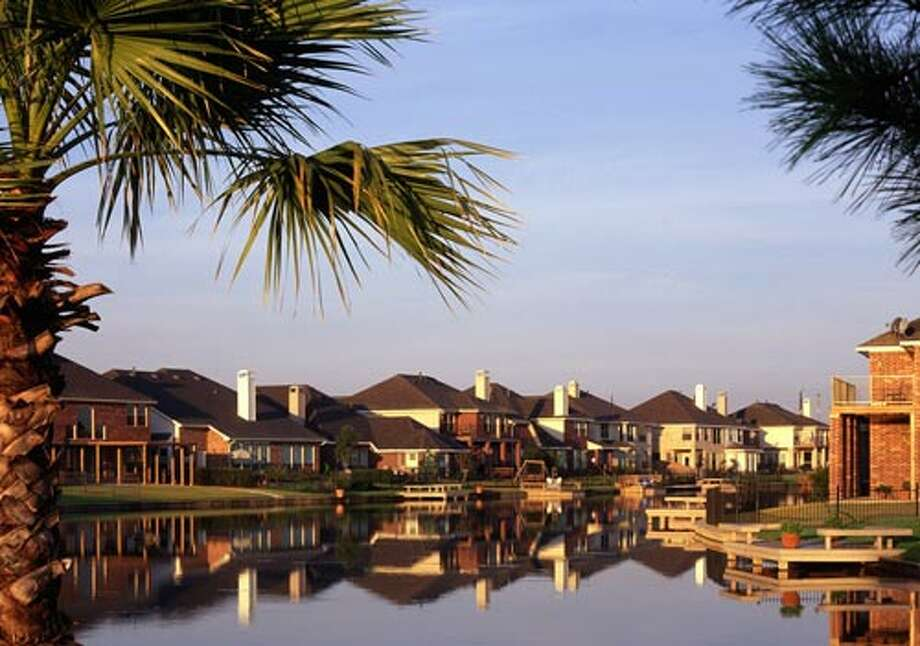Another water-centric community in Northwest Houston is Sydney Harbor, which offers home prices stating in the $170,000s.