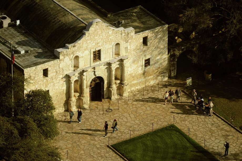 FACT OR FICTION? The Alamo complex has a basement.Related Interactive: Alamo Immortal: 175th Anniversary of the Battle Photo: BILLY CALZADA, San Antonio Express-News / gcalzada@express-news.net