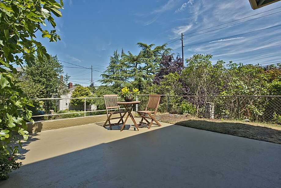 Front deck of 307 W. Blaine St. It's listed for $595,000. Photo: Courtesy Randie Nelson, Windermere Real Estate