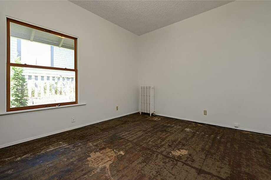 Bedroom of 307 W. Blaine St. It's listed for $595,000. Photo: Courtesy Randie Nelson, Windermere Real Estate