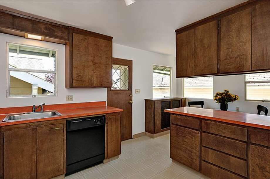 Kitchen of 307 W. Blaine St. It's listed for $595,000. Photo: Courtesy Randie Nelson, Windermere Real Estate